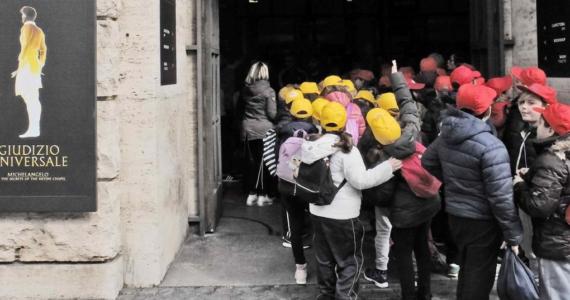 studenti prima replica giudizio universale scuole zerkalo spettacolo