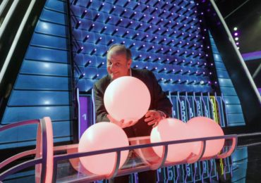 the wall quiz canale 5 prime time gerry scotti zerkalo spettacolo