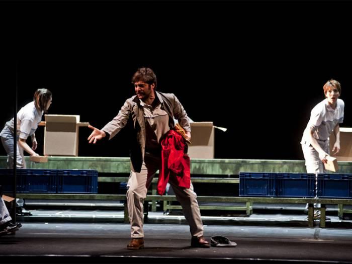lino guanciale teatro argentina la classe operaia va in paradiso petri zerkalo spettacolo