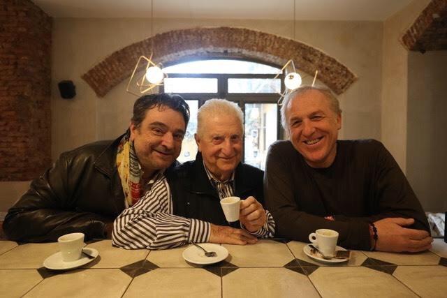 eravamo 3 amici al bar teatro roma zerkalo spettacolo