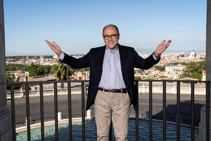 Vita da Carlo, tutte le anticipazioni sulla serie di Verdone in arrivo su Amazon Prime Video zerkalo spettacolo