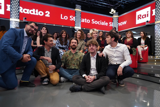 Lo Stato Sociale, inizia la Fase 2 con Autocertificanzone e Rai Radio2 zerkalo spettacolo