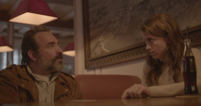 Doppia Pelle, in digitale la black comedy con Jean Dujardin e Adèle Hanel zerkalo spettacolo