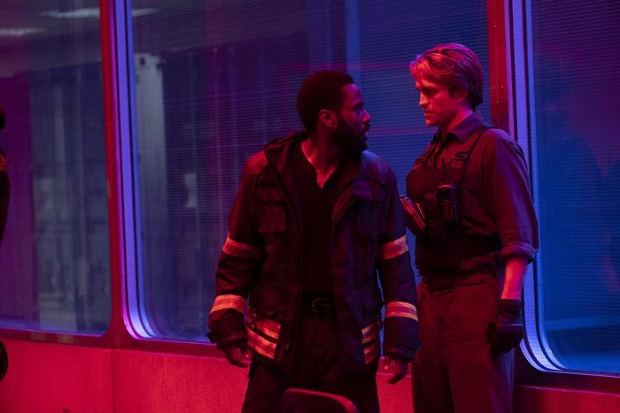 Tenet, data di uscita e prime immagini del nuovo film di Christopher Nolan zerkalo spettacolo