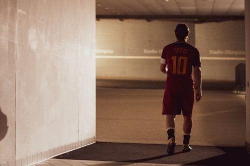 Mi chiamo Francesco Totti, anticipazioni sul docufilm che sarà presentato alla Festa del Cinema di Roma zerkalo spettacolo