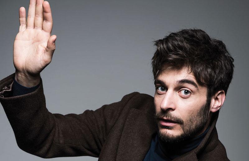Lino Guanciale torna a teatro con uno spettacolo dedicato a Ennio Flaiano zerkalo spettacolo