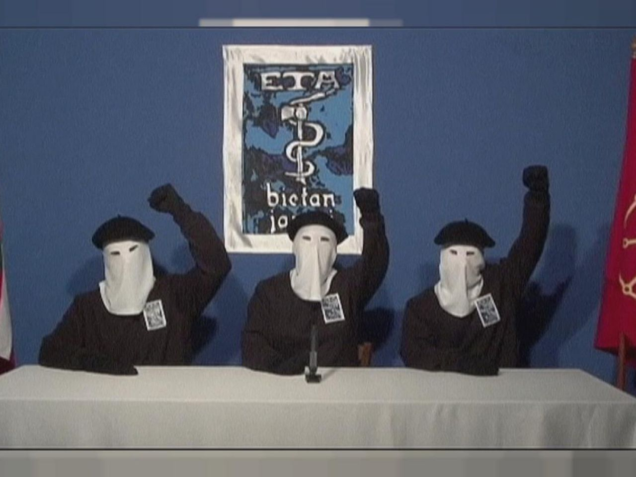 The Challenge: ETA, prime immagini della docuserie Amazon Original sul gruppo terroristico ZERKALO SPETTACOLO
