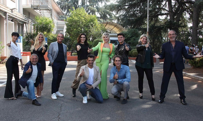 Tale e Quale Show 2020: giuria, concorrenti e tutte le novità della decima edizione zerkalo spettacolo