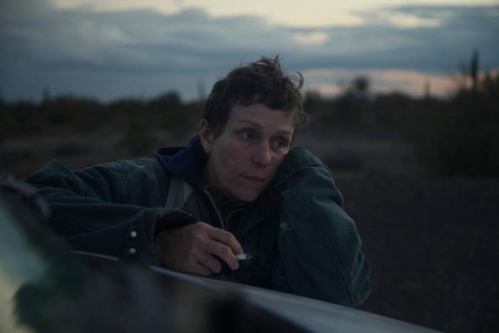 Nomadland, data di uscita del film con Frances McDormand Leone d'Oro a Venezia zerkalo spettacolo