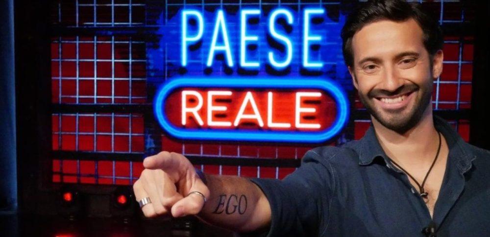 Paese Reale, su RaiPlay il talk show satirico di Edoardo ...