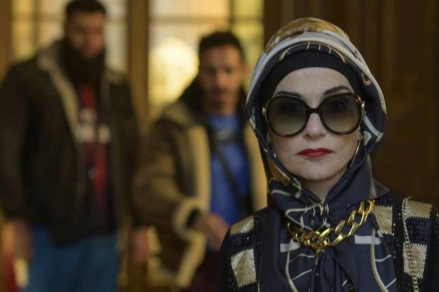 La Padrina, al cinema la commedia con un'inedita Isabelle Huppert zerkalo spettacolo