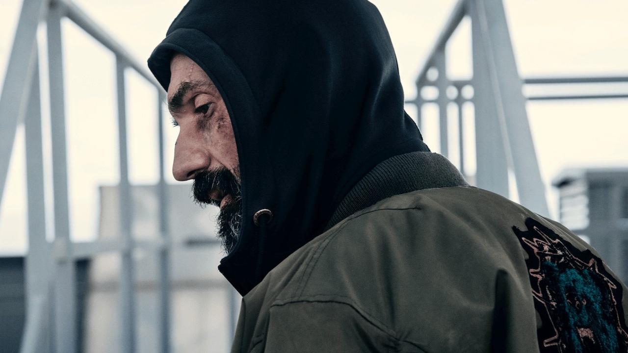 La Belva, dal 27 novembre l'action con Fabrizio Gifuni targato Netflix zerkalo spettacolo