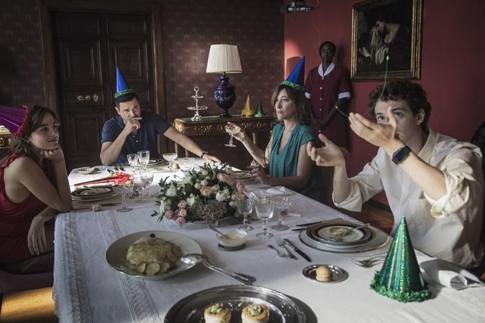 Gli indifferenti, on demand il film con Valeria Bruni Tedeschi ispirato al capolavoro di Moravi zerkalo spettacoloa