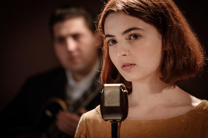 La bambina che non voleva cantare, la vita di Nada su Rai1: interviste e anticipazioni zerkalo spettacolo