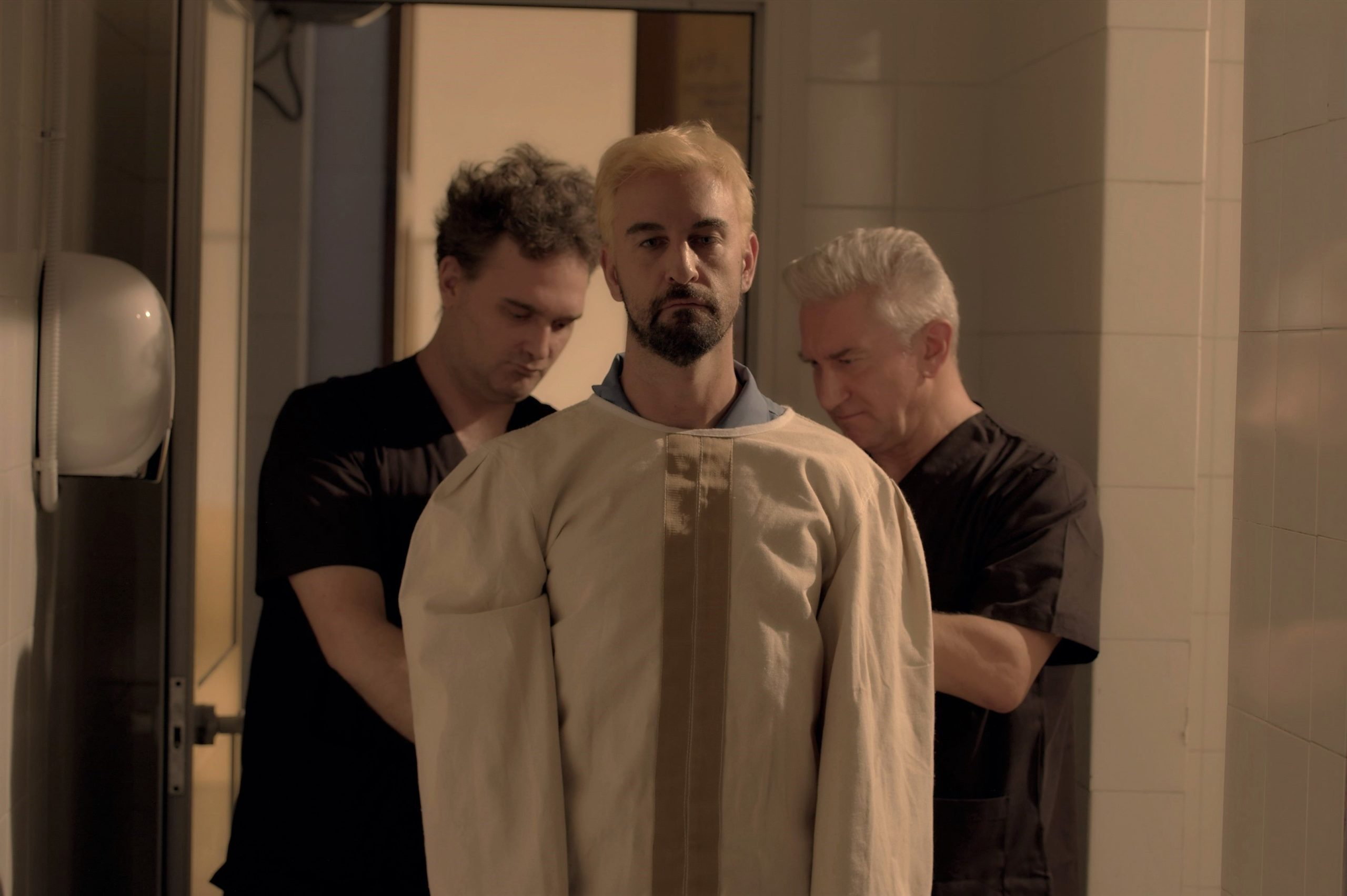 REVERSE, da aprile on demand il legal thriller con Iago Garcia zerkalo spettacolo