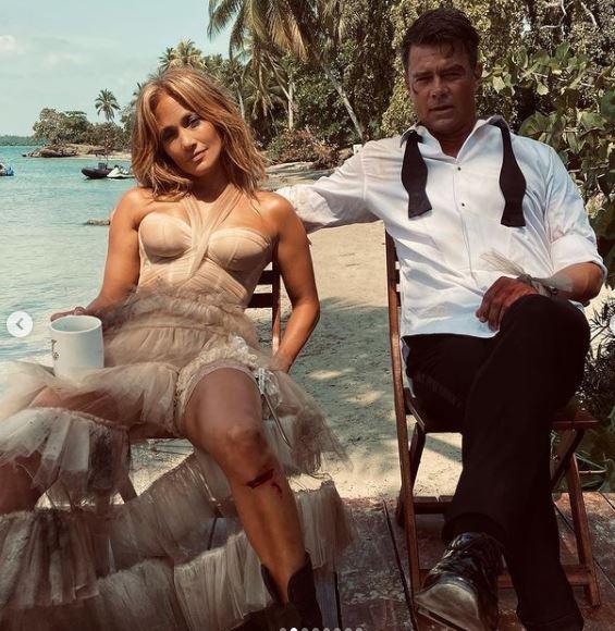 Jennifer Lopez nel film Shotgun Wedding zerkalo spettacolo