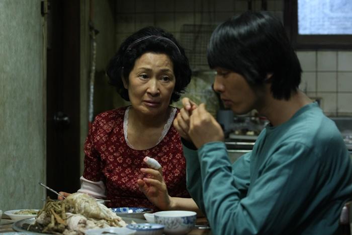 Madre, a luglio al cinema uno dei capolavori di Bong Joon-ho zerkalo spettacolo