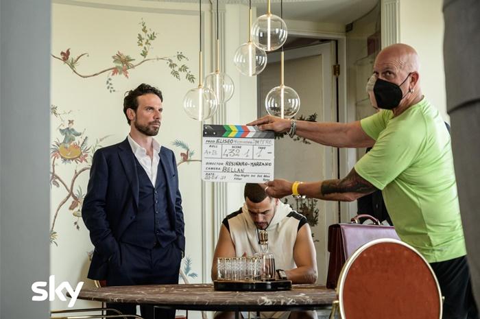 Impero, anticipazioni della serie Sky con Francesco Montanari sul mondo del calciomercato zerkalo spettacolo