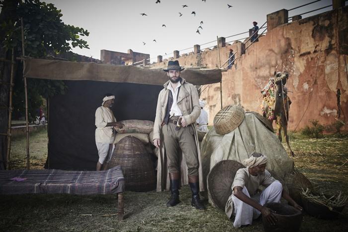 BEECHAM HOUSE, tutto sul period drama di Gurinder Chadha con Tom Bateman zerkalo spettacolo