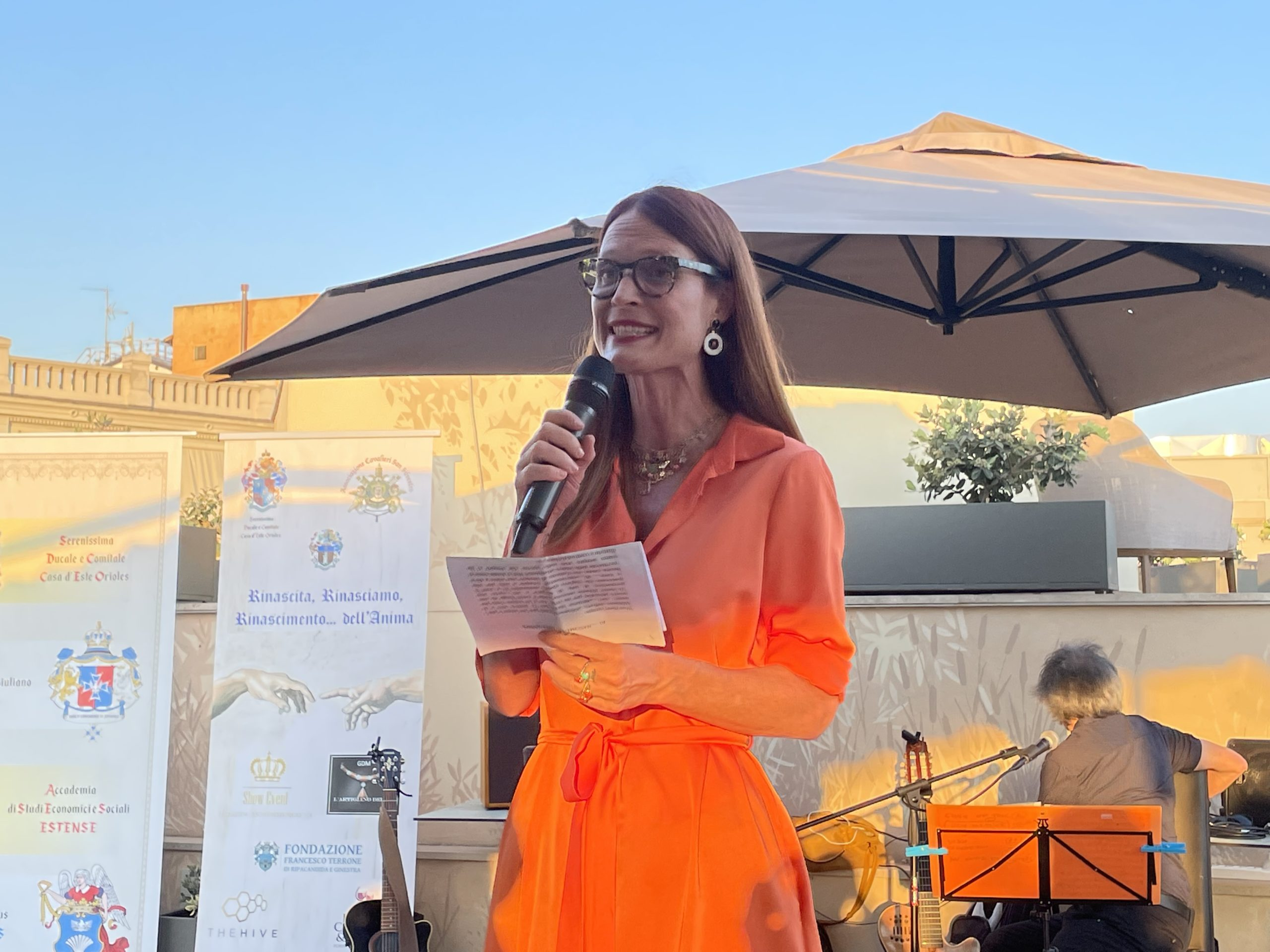 jane alexander all'evento charity rinascimento dell'anima zerkalo