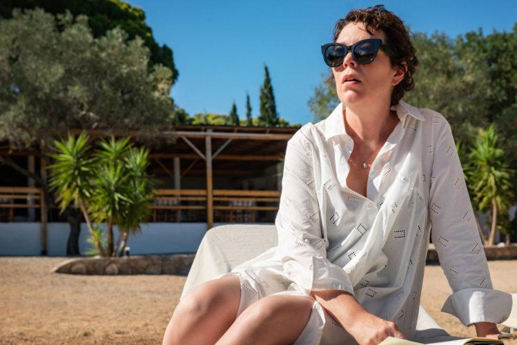 Venezia 78: The Lost Daughter, Olivia Colman e Dakota Johnson nel film tratto da Elena Ferrante zerkalo spettacolo
