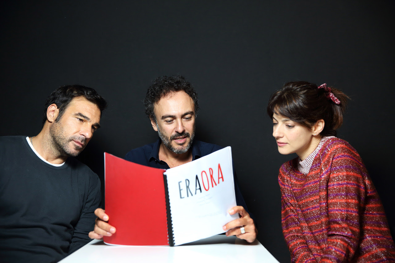 ERA ORA, cosa sappiamo del nuovo film di Alessandro Aronadio con Edoardo Leo e Barbara Ronchi zerkalo spettacolo